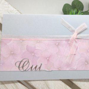 faire part gris et rose carte invitation mariage avec decoration de fleurs en ruban scrapbooing idealisa