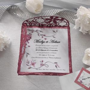 faire part mariage romantique floral rouge et impression de fleurs