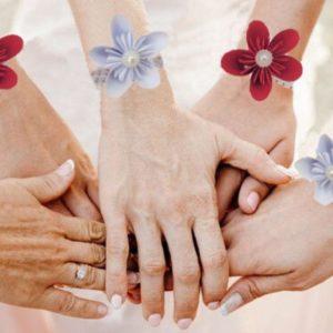 bracelet de demoiselles d'honneur origami bracelet en fleur en etoile en papier origami blanc et rouge idealisa.
