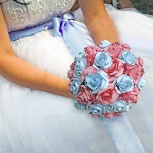 bouquet de mariee origami roses eternelles fleurs en papier origami rose et blanc idealisa