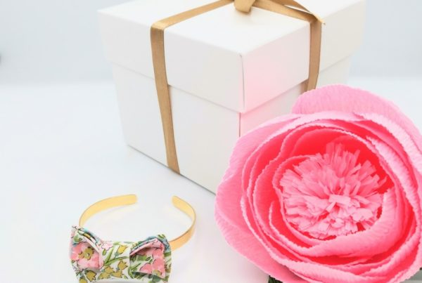 mademoiselle-pap-et-cie-collaboration-origami-bracelet-jonc-or-fin-fete-des-meres-demoiselle-honneur-liberty-swirling-petal-pastel(2)