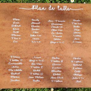 plan de table bois mariage ecriture blanche
