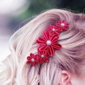 accessoire de cheveux mariee fleur kansashi fushia fleur en tissu kansashi pour coiffure de mariage idealisa